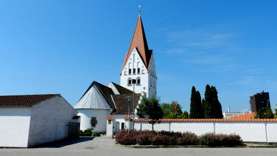 2012-glh-kirken-fra-oest