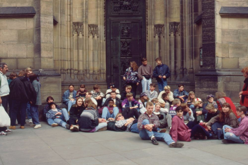 Foran Vituskatedralen i Prag