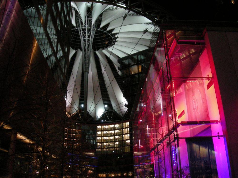 Sony Centeret ved aften