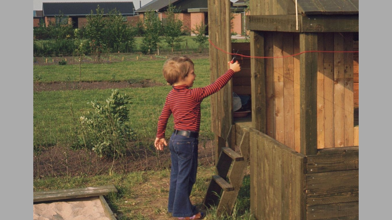 Heine ved legehusindvielse 1976