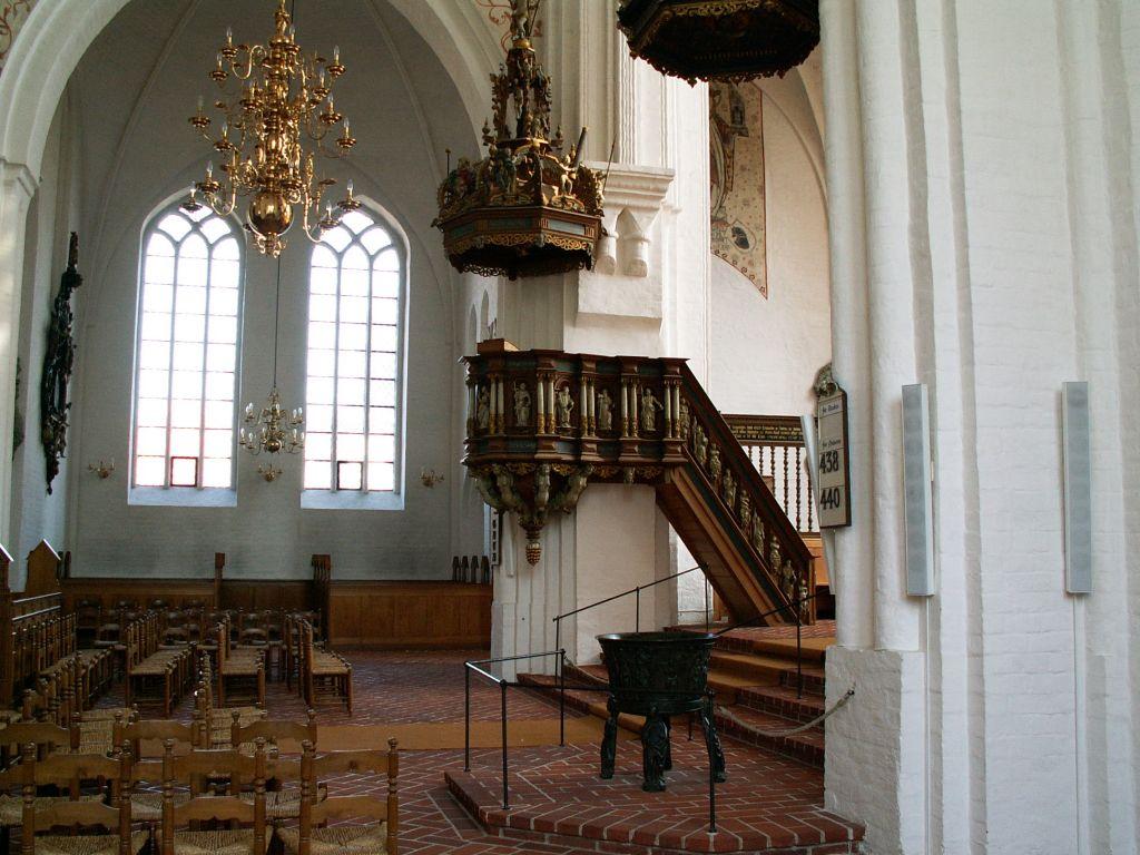 Domkirken interiør mod nord