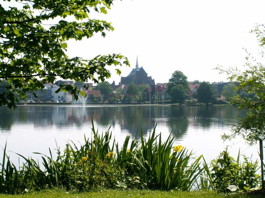 Domkirken fra Damparken forår