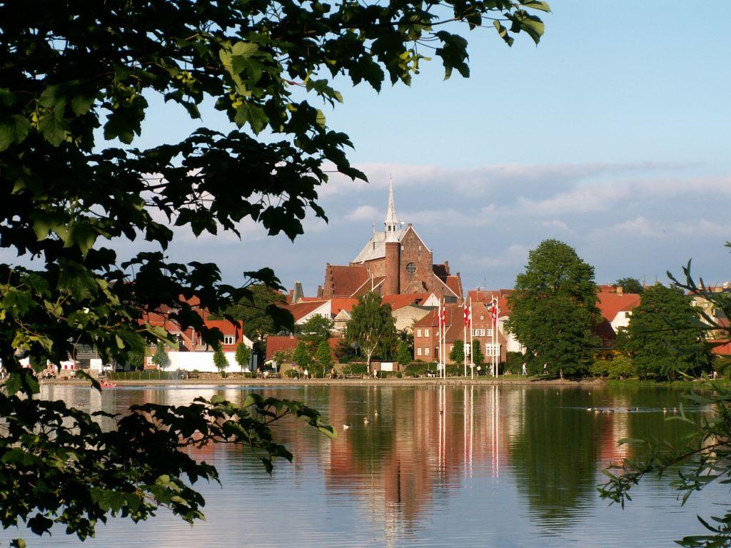 Domkirken fra Damparken sommer