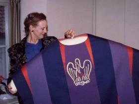 dronningen-med-violet-hagel