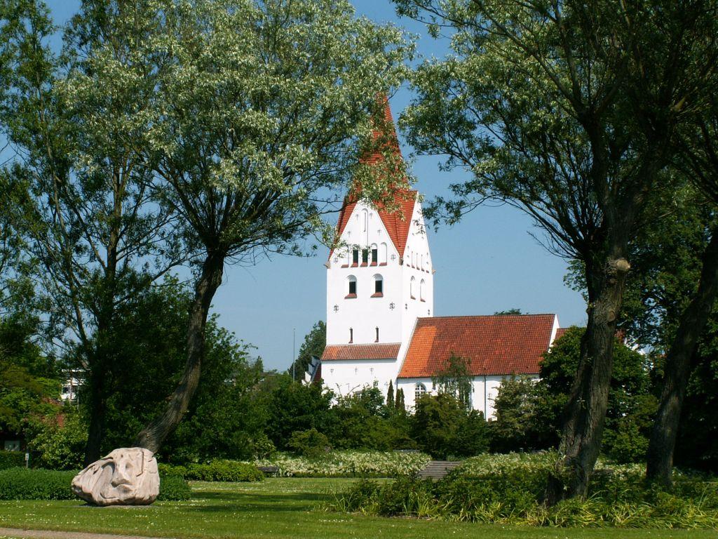 Gl. Haderslev Kirke sommer