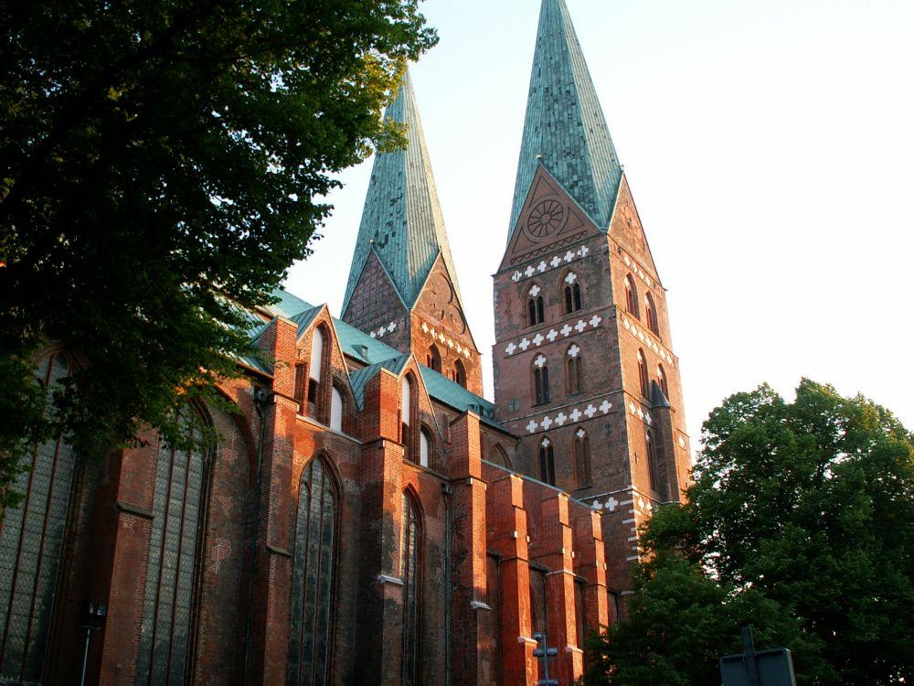 Mariakirken i Lübeck i aftenlys