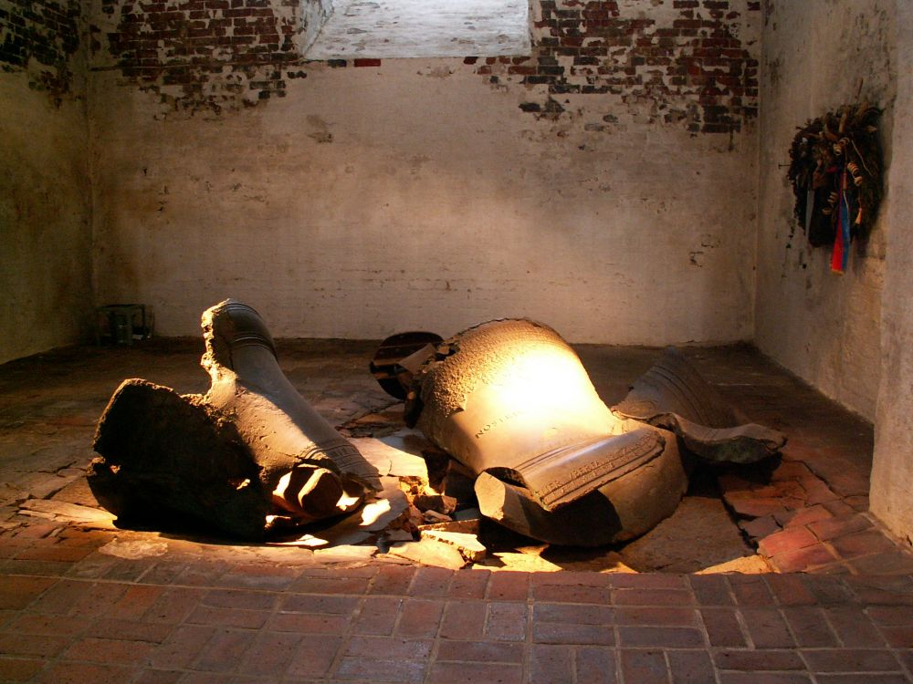 Mariakirken i Lübeck nedtyrtede klokker