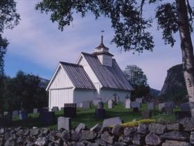 2004F02 Bykle kirke