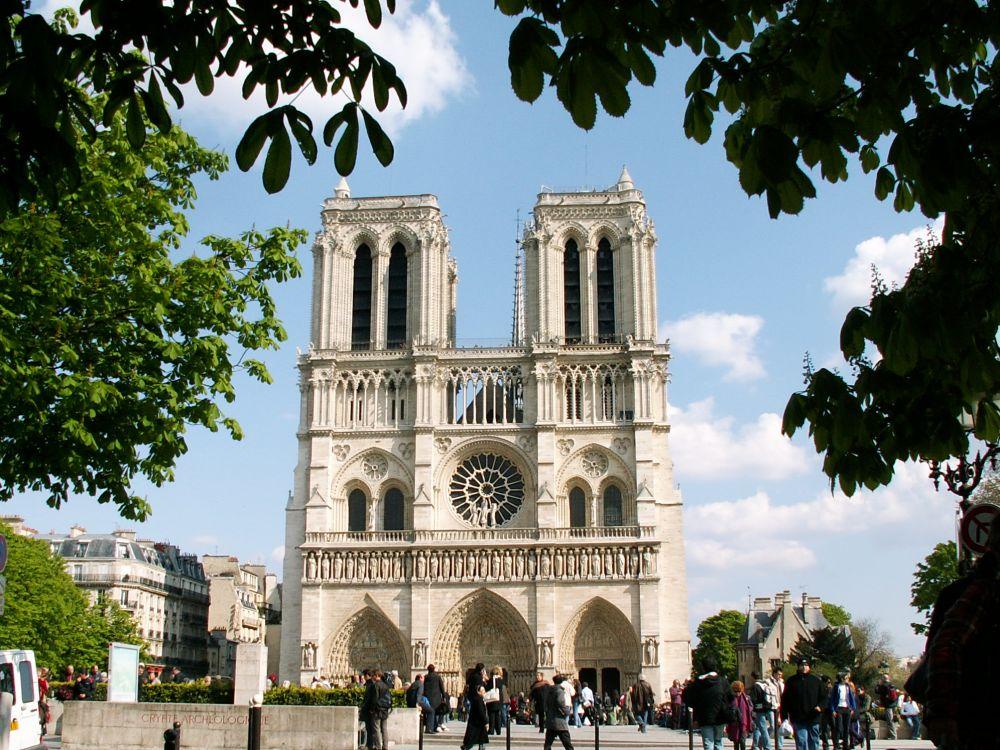Notre Dame vestfacaden