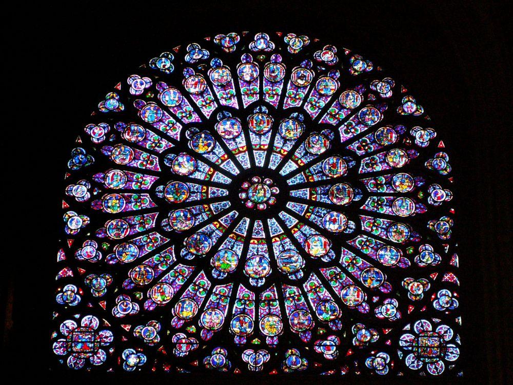 Notre Dame nordrosen indefra
