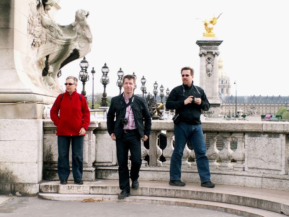 Aase, Heine og Réne ved Pont Alexander III