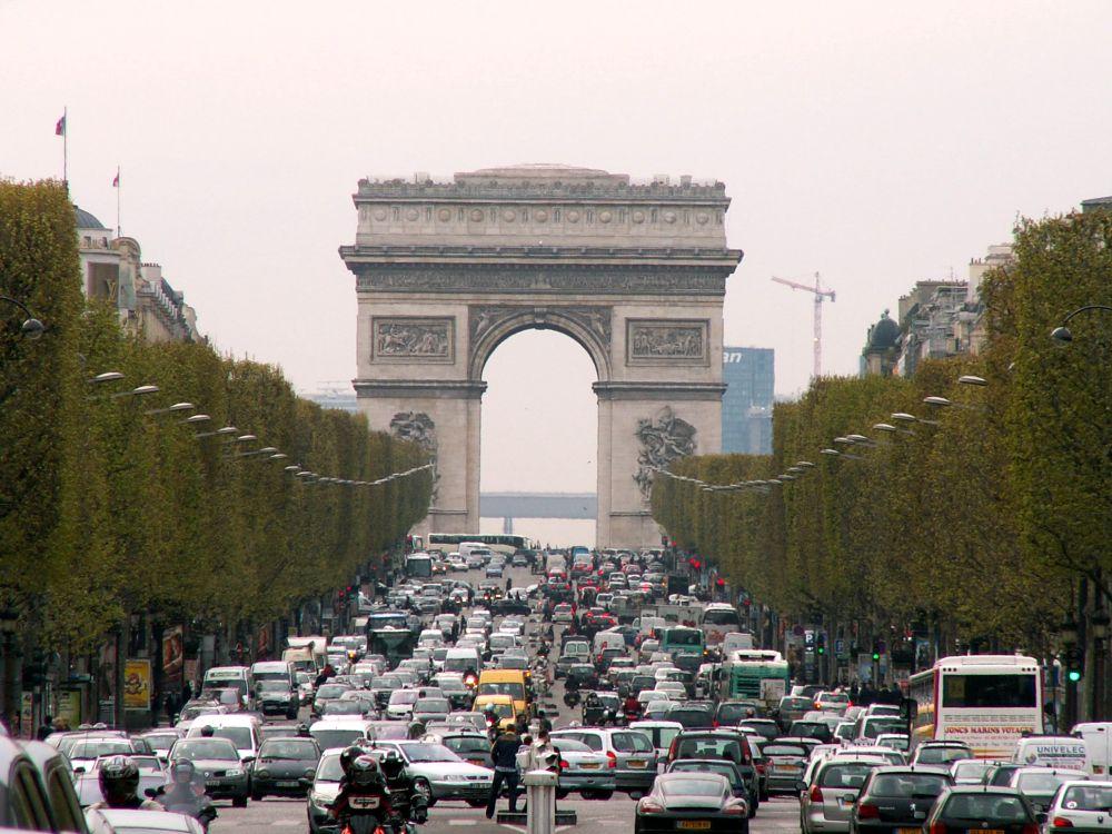 Triumfbuen fra Champs Elysées