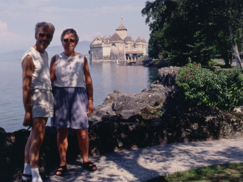 Thorkild og Aase ved Chillon-slottet