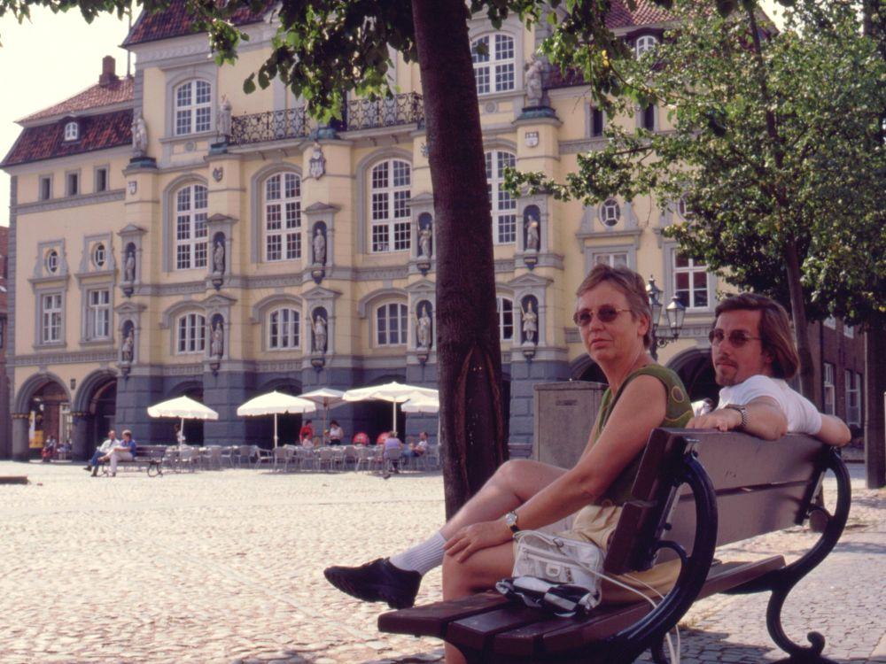 Aase og René ved rådhuset i Lüneburg