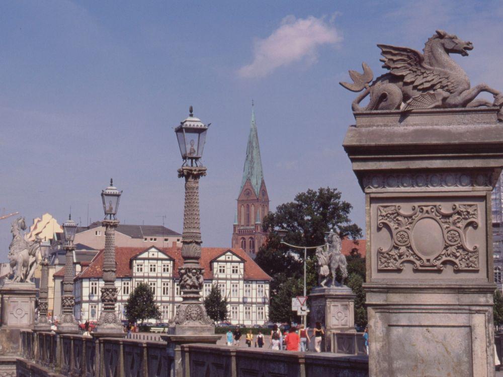 Broen til slottet i Schwerin