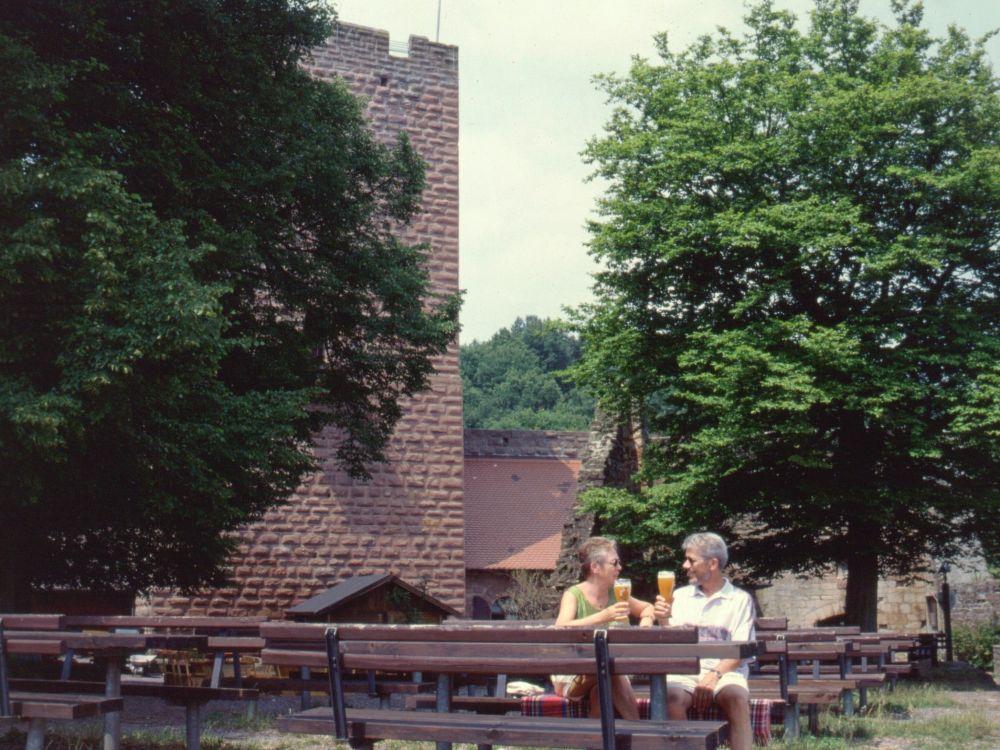 """AS og TS på Burg Landeck - vores """"Stamborg"""""""