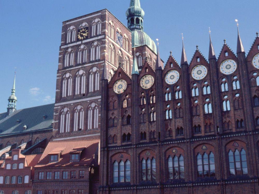 Pralevæg og kirketårne i Stralsund
