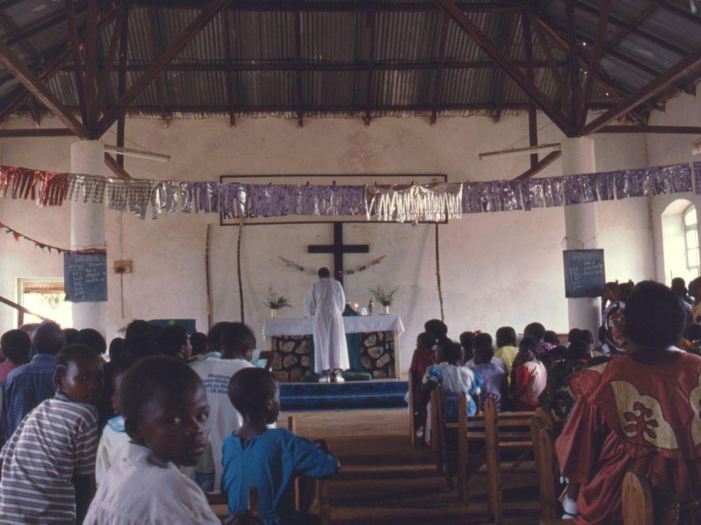 Gudstjeneste i Ndolage Kirke