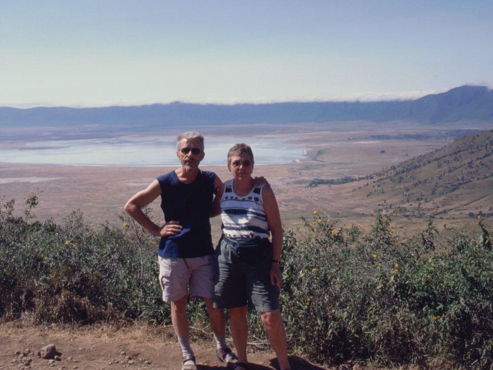 Thorkild og Aase ved randen af Ngorongoro-krateret