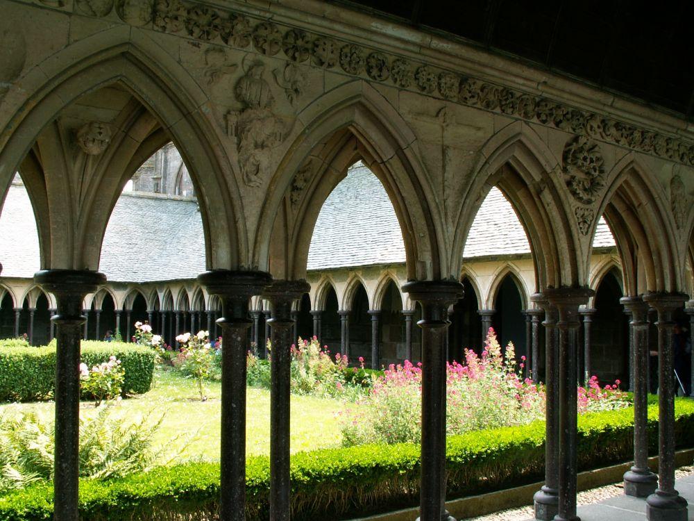 Klostergården i Mt. Saint Michel