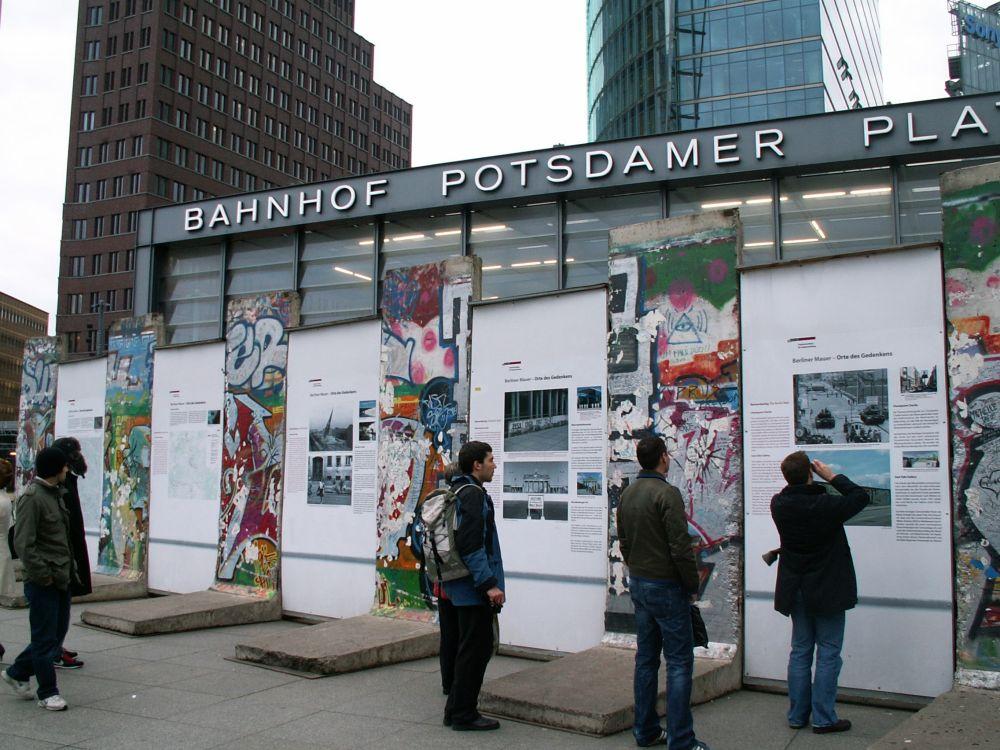 Rest af Muren med udstilling på Potsdamer Platz
