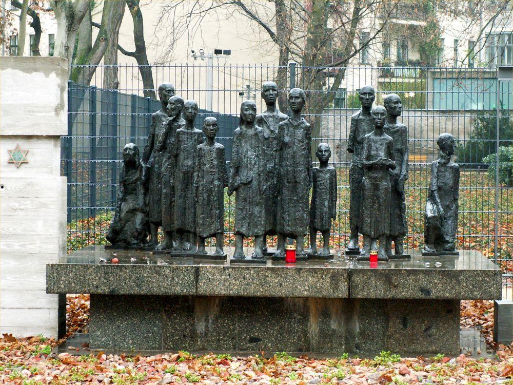 Monument på den gamle jødiske kirkegård i Berlin