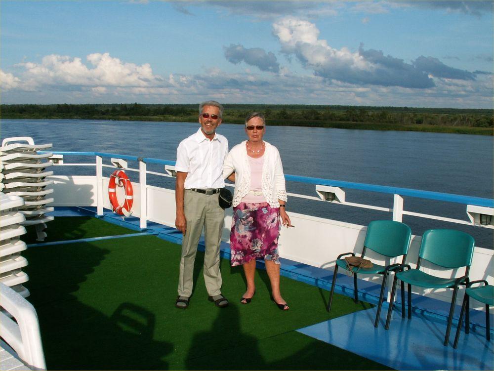 Thorkild og Aase om bord på flodbåden