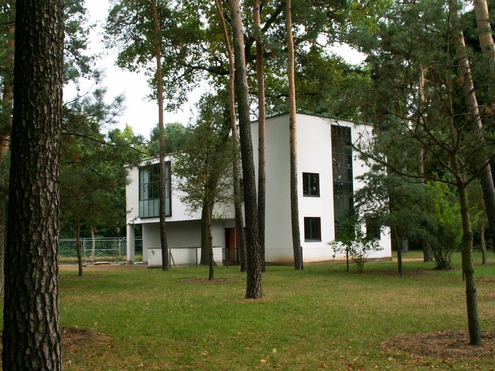 En af Bauhausvillaerne i Dessau