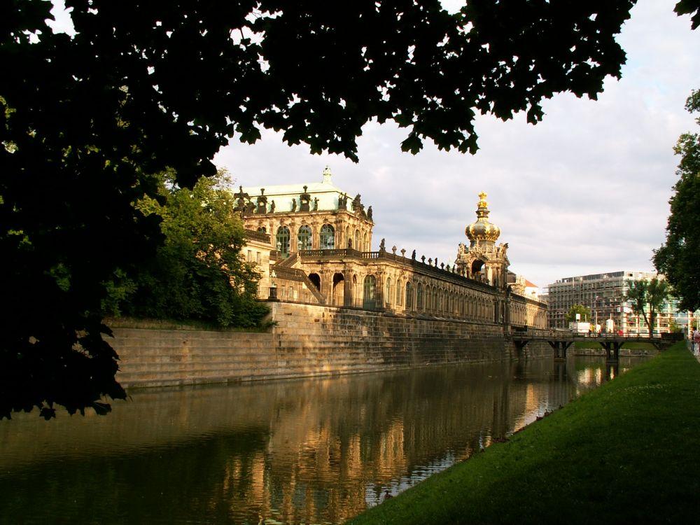 Zwinger i Dresden i aftenlys