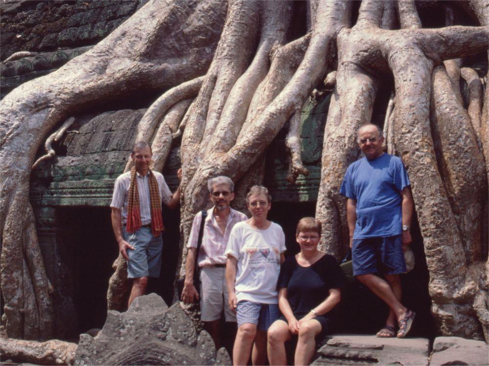 Vi fem rejsende i Ta Prohm templet
