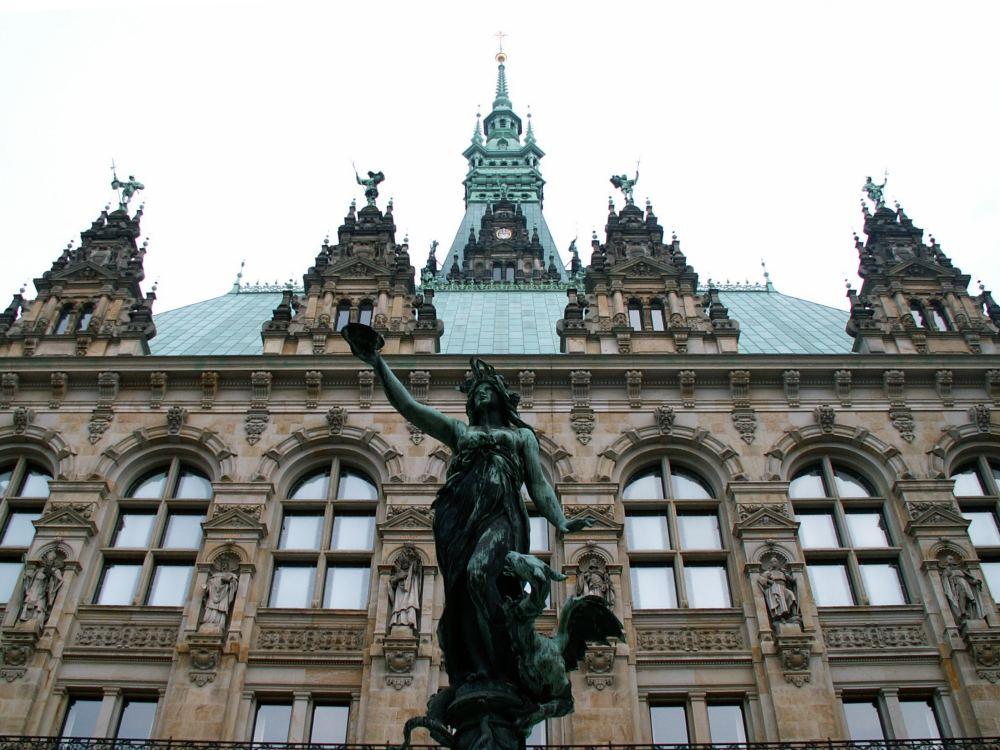 Hamburg Rådhus fra rådhusgården