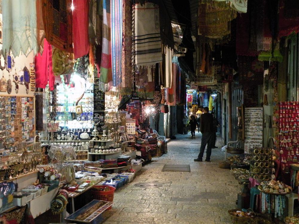 Markedsgade om aftenen