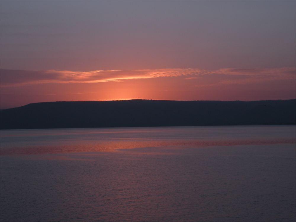 Solopgang over Geneseret sø
