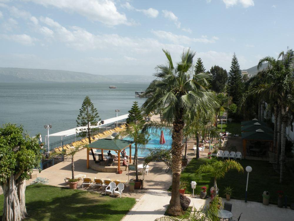 Udsigt over Geneseret sø fra hotellet i Tiberias