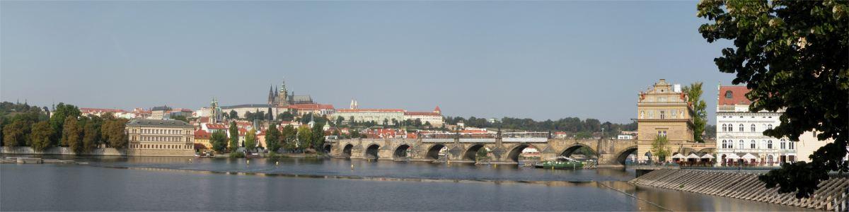 Panorama mod Karlsbroen fra syd