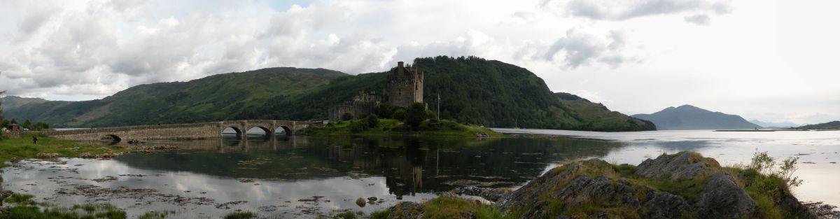 Elian Donan Castle hen under aften.