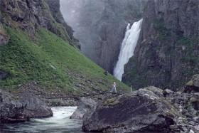 10898 Ved Vøringsfossen