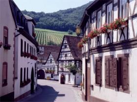 12211 Leinsweiler