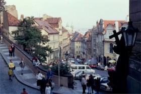 12562 Vejsving ved borgen Prag