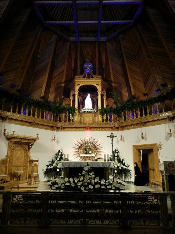 2015-51 POL Ny kirke i Zakopane