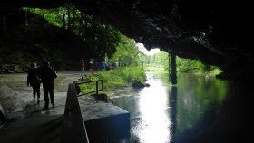 2016 FR 0062 Udgangen ved grotterne i Han sur Lesse