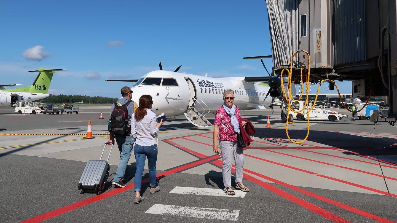 Vi skifter fly i Riga til Vilnius