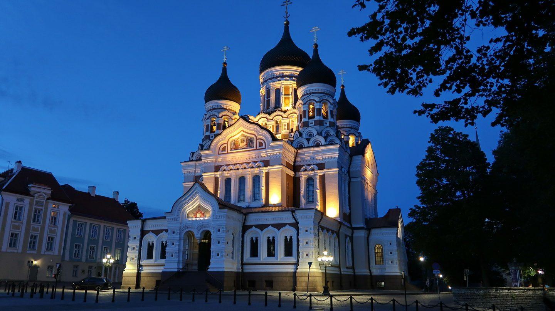 Alexander Nevsky katedralen i aftenlys