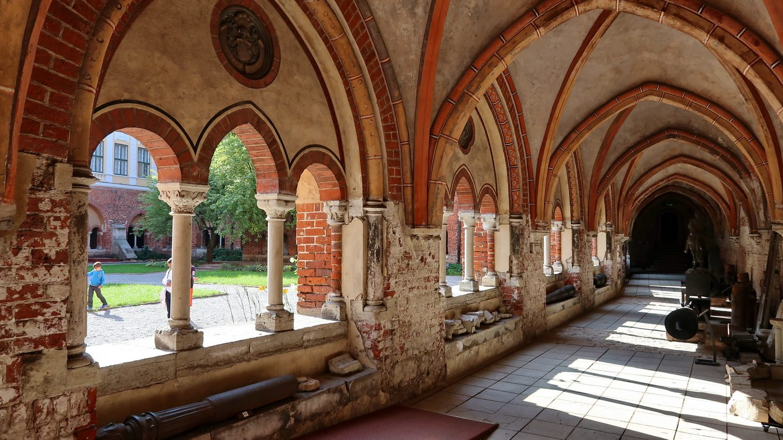 Korsgang ved Domkirken i Riga