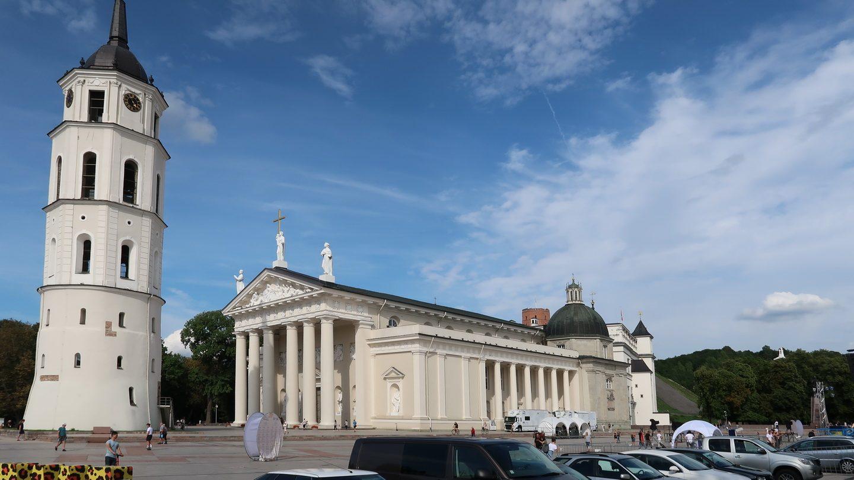 Domkirken i Vilnius + klokketårn