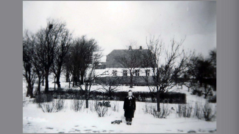 Aase foran Møllevang.