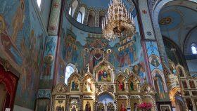 Freskomalerierne over venstre ikonostase: Marias himmelkroning.
