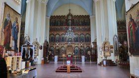 Kirken med hovedikonostasen.