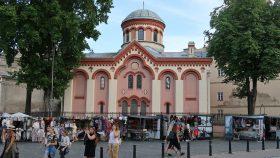 Paraschevakirken på det lille torv på hovedgaden i Vilnius