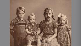 Thorkild, Ellen. Birthe, Ruth ca. 1952